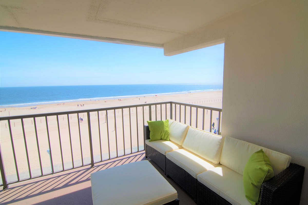 Admirable Beachfront Vacation Rental Ocean City Md Beach Condo In Home Interior And Landscaping Mentranervesignezvosmurscom